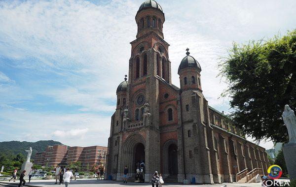 Jeondong Cathedral แห่งจอนจู โบสถ์ที่สวยที่สุดในเกาหลี
